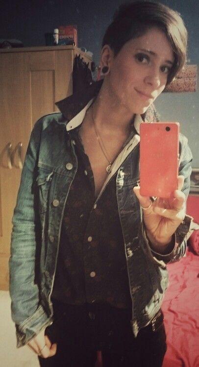 Fashion.  Lesbian.  Tomboy.  Androgynous. Short hair. Style. Denim jacket Zara.  Shirt Jack Wills.