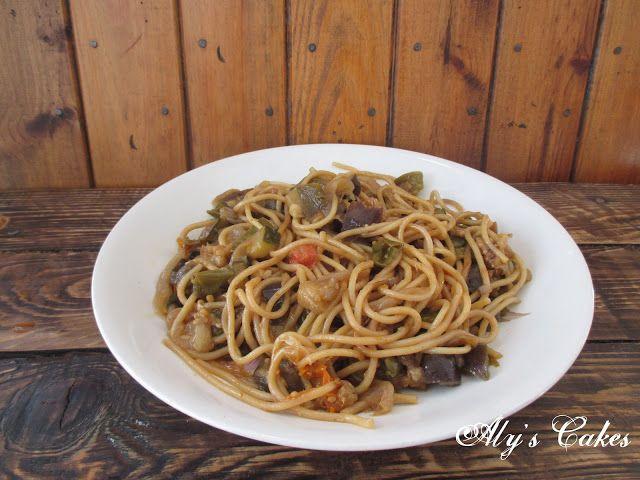 Aly S Cakes Espaguetis Con Verduras Y Salsa De Soja Espagueti Con Verduras Espaguetis Verduras