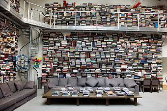 heavenDreams Libraries, Home Libraries, Paris Apartments, Karl Lagerfeld, Personalized Libraries, Dreams Room, Book Collection, Karl Lagerfeld, Spirals Staircas
