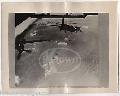 BOMBER PLANES IN FLIGHT GLENN L. MARTIN Co. VINTAGE WWII AIR FORCE PHOTO 1943