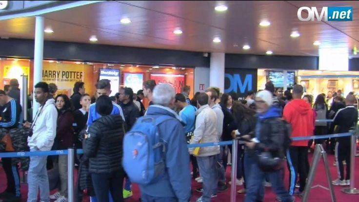 La boutique officielle OM de l'Aeroport Marseille Provence accueillait hier après-midi Aaron Leya Iseka, Florian Thauvin, C. Njie et... Cristiano Ronaldo