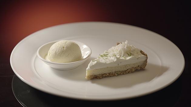 Key Lime Pie with Vanilla Ice Cream niet teveel zout in deeg!