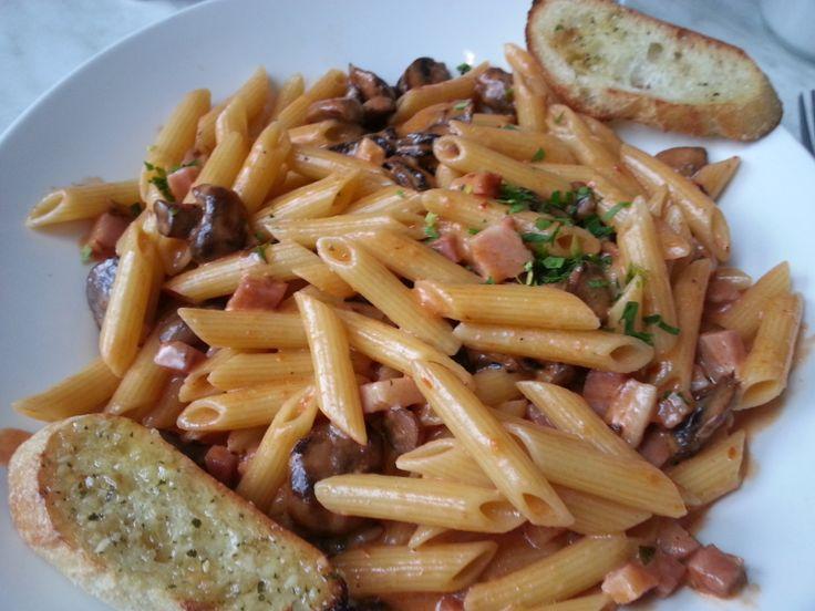 Penne alla Gigi Restaurant déjeuner/dîner Eggspectation
