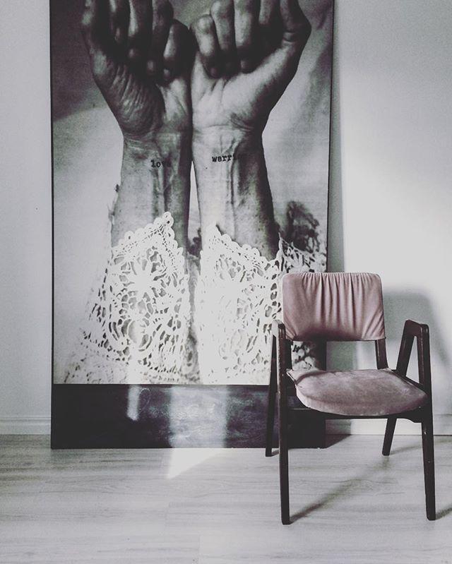 L ö r d a g och stora prinsessans rum ♡ Här är all färg i huset samlad på en plats ♡ #prinsessansrum#flickrum#barnrum#girlsroom#childrensroom#rosarum#tapet#pipstudio#vitaträgolv#interior123@interior4all