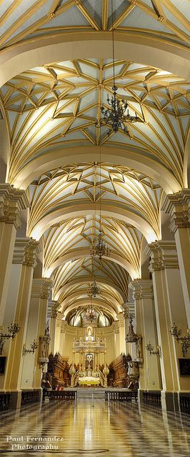 Panorama of the Cathedral of Lima (Central Nave), Peru. Que lindo!