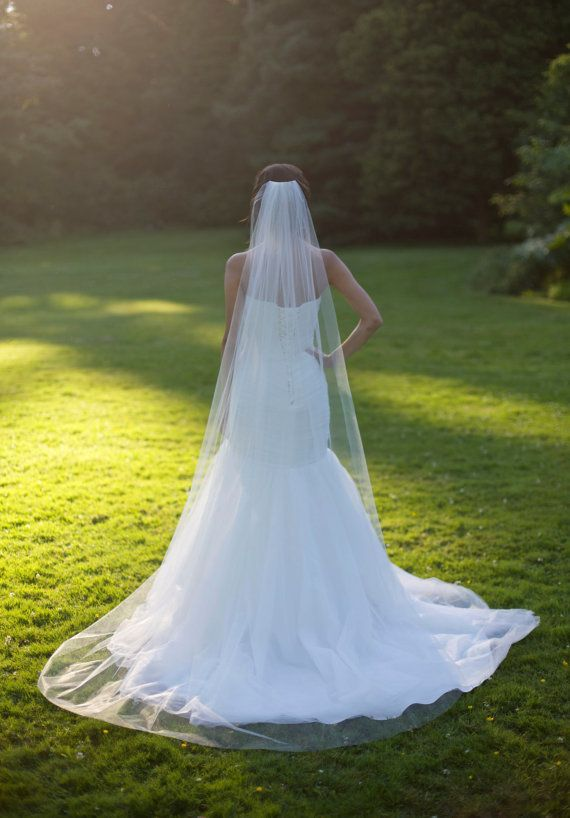 Kapel veil kathedraal sluier ruwe rand door CoutureBrideBoutique