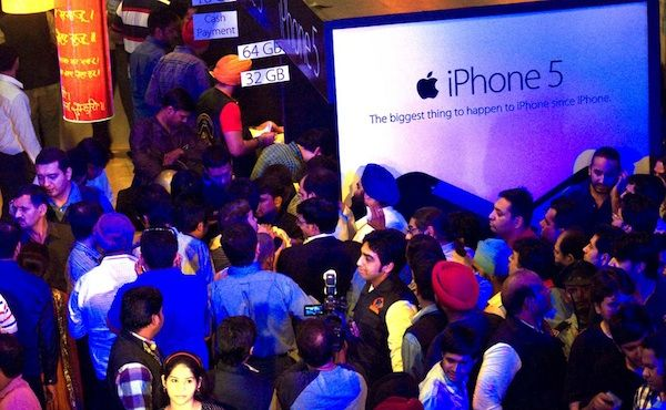 Indian Government Wants Apple To Make Huge Investment For Opening iPhone Manufacturing Unit