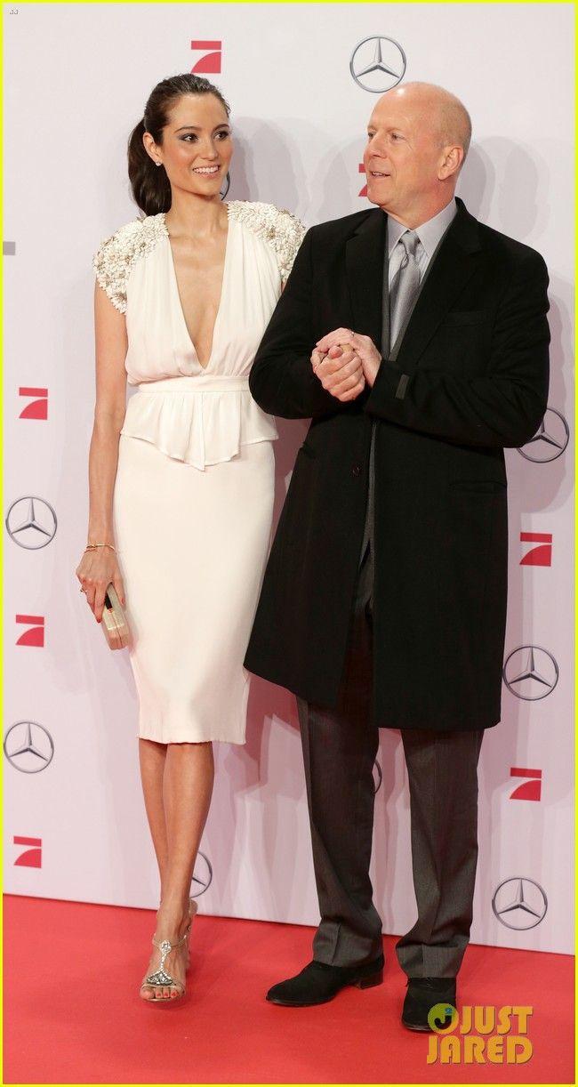 Bruce Willis & Emma Heming: 'Die Hard' Red Carpet Kiss!
