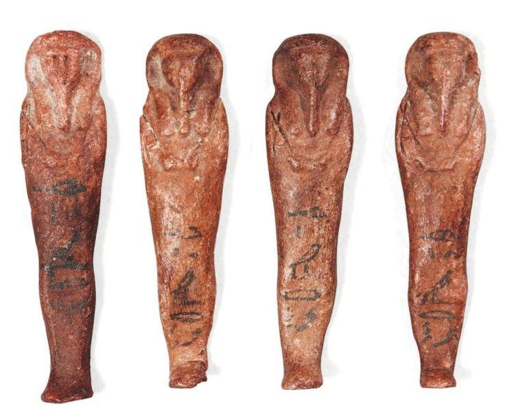 - Égypte Rare ensemble formé de quatre oushebti en cire au nom de Iret-hor-erou. Ils sont momiformes, coiffés de perruques tripartites et tiennent les instruments aratoires. Les jambes sont peintes d'une&hellip ./tcc/