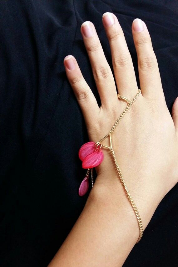 Floral hand chain