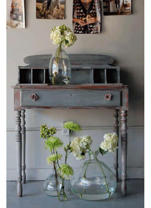 シャビーなインテリアにぴったりのお花と飾り方(フラワーアレンジメント)
