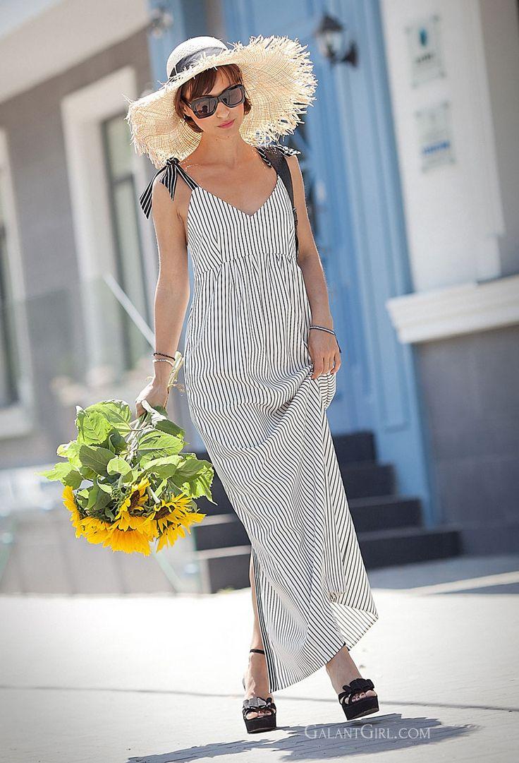 sunflowers, striped summer dress, asos straw hat, floppy hat, summer outfits, retro summer look,