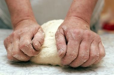 Ancient Roman bread: History and cooking together in one place. Lovely cross curricular resource to support a Roman topic.