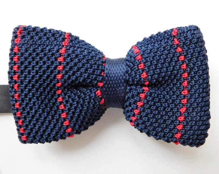 Knitted bow tie new and in its original box Dark blue and red stripes Pre-tied type Adjustable with a neckband made of satin slide adjuster and clip