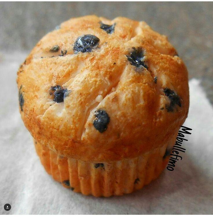 Muffin aux myrtilles en fimo. Inspiré de @MadamePatachou