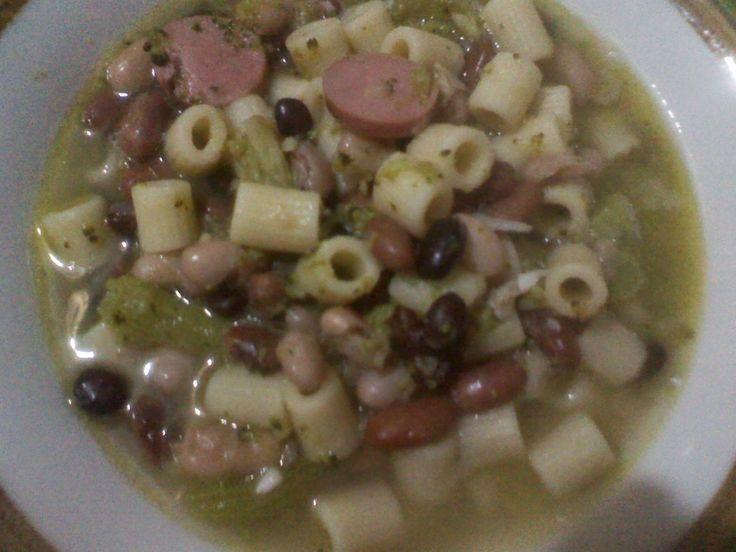la cucina (imperfetta) di Claudia: Zuppa di fagioli broccoli e wurstel