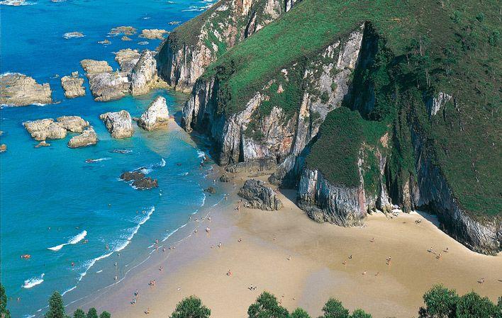 Playa de La Franca en Ribadedeva, playas de Asturias