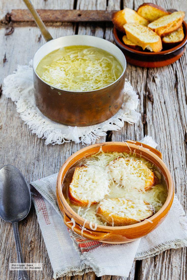 Receta de la tradicional sopa de cebolla. Receta con fotografías dle paso a paso y recomendaciones de degustación. Recetas de sopas y cremas