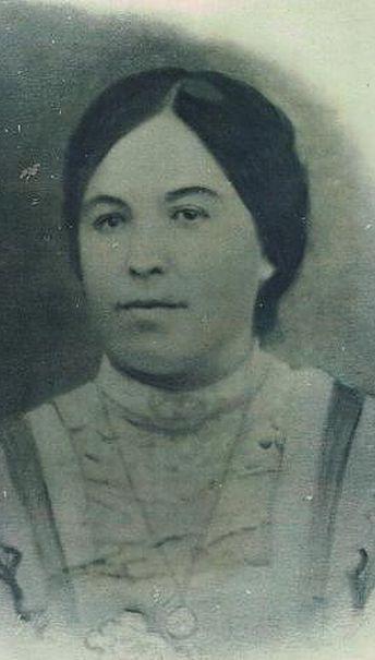 Clara Martínez Garrido. De las primeras votantes femeninas en España. En Marzo de 1933. Elecciones a Juez de Paz en Marmolejos. 6 meses antes de que votaran la mayoría de las españolas por primera vez.