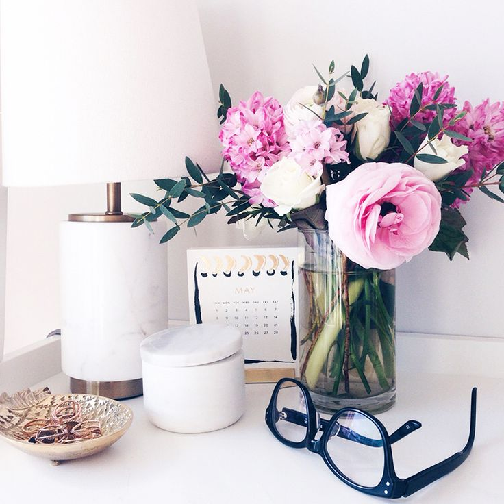Cubicle or desk decoration