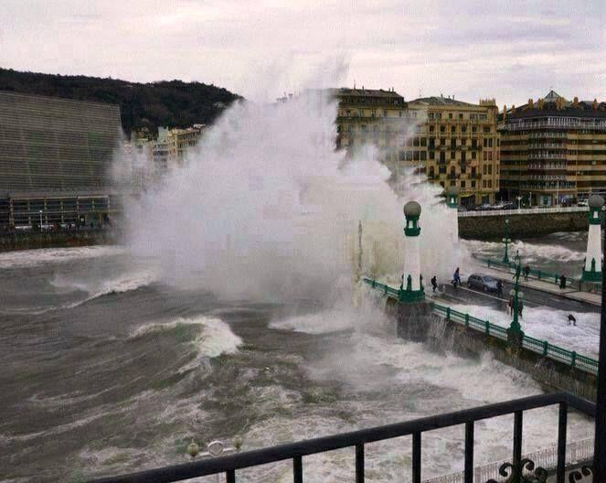 #Donostia #ola #olatua #wave