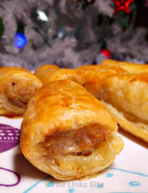 These Quick and Easy Sausage Rolls are great at a party!