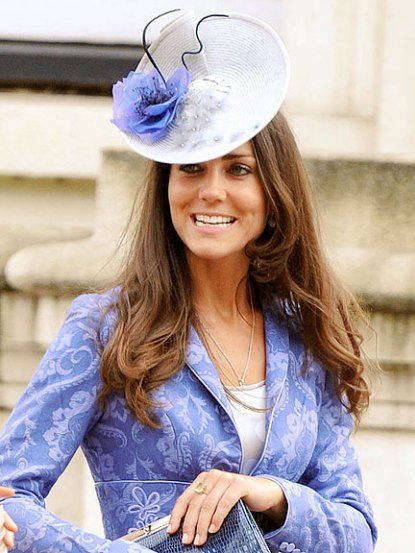 Princess Kate's fascinators are so chic! More people should wear them.