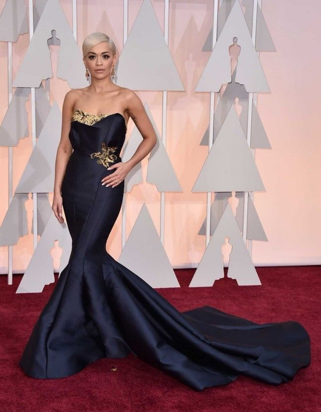 Million dollar baubles: the most expensive jewellery at the 2015 Oscars  : Rita Ora Over $9.5 million worth of jewels were worn by Ora to complement her Marchesa gown. The Lorraine Schwartz pieces included 40-carat pear-shaped chandelier earrings and a 25-carat pear-shaped ring.