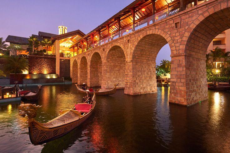 Gondola ride in Sanya. #sanya #gondola #SanyaRepin #SanyaHeartstoHearts #whererefreshingbelongs