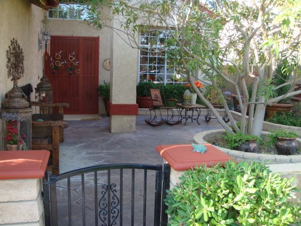 Courtyards front yard front courtyard this is our for Small front courtyard design ideas