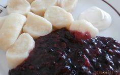 Jogurtové knedlíky s ovocnou omáčkou | NejRecept.cz