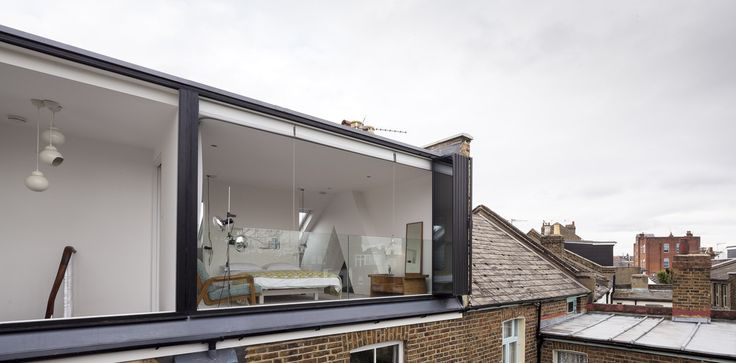 Image 3 of 29 from gallery of Shepherd's Bush Extension & Loft Conversion /  + Studio 30 Architects. Photograph by Salt Productions Ltd