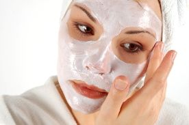 Cornstarch- Cornstarch is very soothing and gentle. This is a great natural remedy for acne when you have a lot of redness or irritation. You can apply the cornstarch to your individual breakouts or to your whole face. Sometimes I leave it on over night and find a huge difference in the morning.
