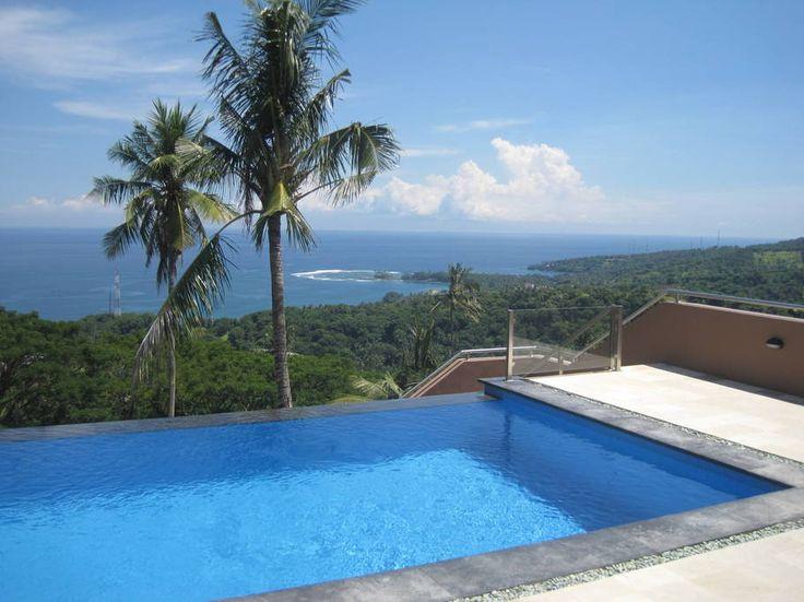 Villa Giuliana | 3 bedrooms | Sengigi, Lombok #lombok #villas #hill #swimmingpool #infinitypool #ocean #view