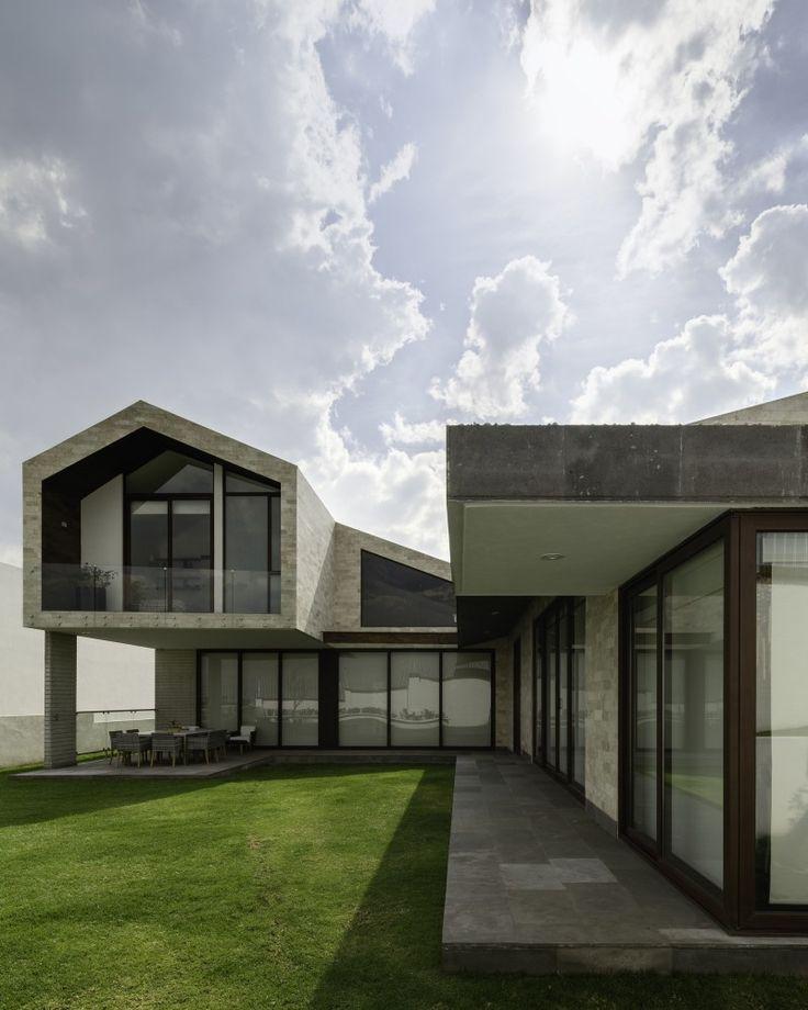 Phifer Millbrook House By: Gallery Of LPZ House / Arquitectura En Movimiento Workshop