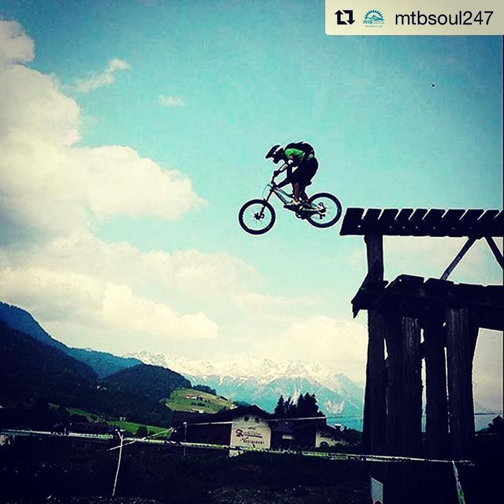 full suspension?  Via @mtbsoul247  Visit us at luvoutdoors.com for all the latest products news reviews and offers!  #outdoors #outdoorstyle #outdoorslife #outdoorsgirl #outdoorslover #outdoors360 #outdoorsy #outdoorshop #outdoorsfun #campingtrip #campingstyle #campingfun #campinglife #campingwithdogs #campingtime #campingweekend #hikingadventures #hikingfun #hikingbuddy #mountains #mountainscape #mountainspirit #mountainstyle #mountainlovers #moutainsoul #mountainscenery