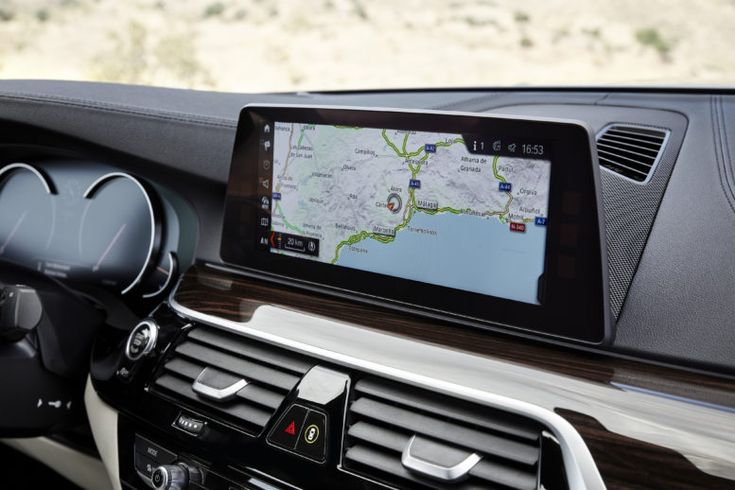 In 5-Series, BMW connected navigation targets and arrival times with drivers personal agenda.