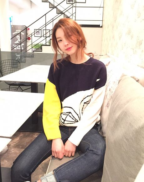 Korean fashion model kim jin kyung with Techno Chouette Color Block Pullover by #luckyshouette #wannabk