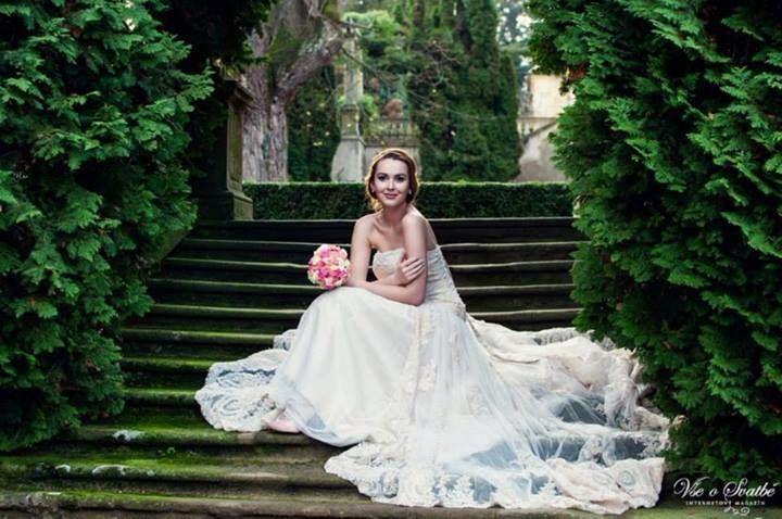 Dress: Gloriana