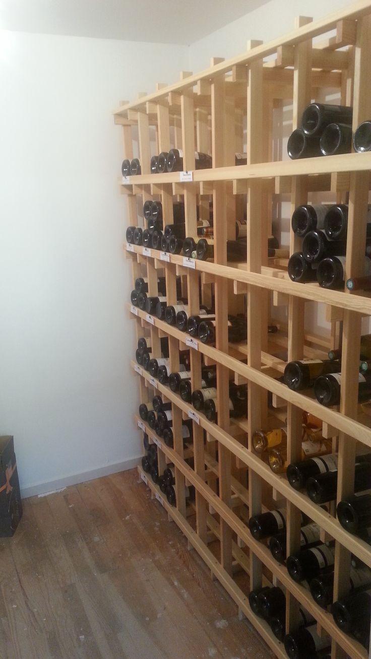 meuble bouteille simple le rangement bouteilles de vin. Black Bedroom Furniture Sets. Home Design Ideas
