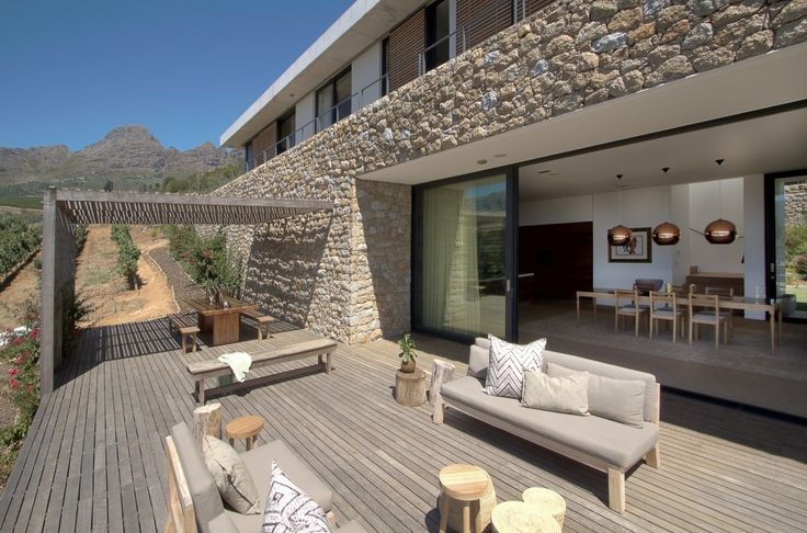 Hillside / GASS Architecture Studios