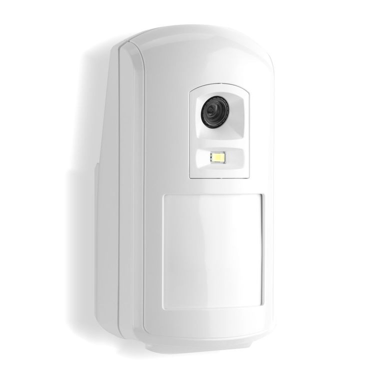Honeywell Evohome Security Wireless Motion Sensor with Camera, Protect large areas of the home with 11 x 12m sensing range.