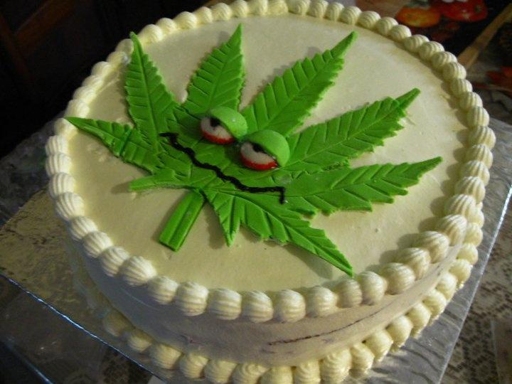 Weed Leaf Cake Pan