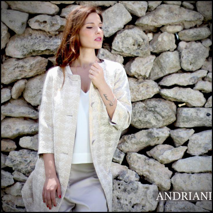 Come resistere all' assoluta eleganza di Herno ?  #andrianiboutique #sales -40%> http://ht.ly/JIbx302QBWX