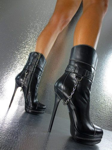 Again, usually not a fan of boots or bootie type shoes, but these are pretty bad ass!