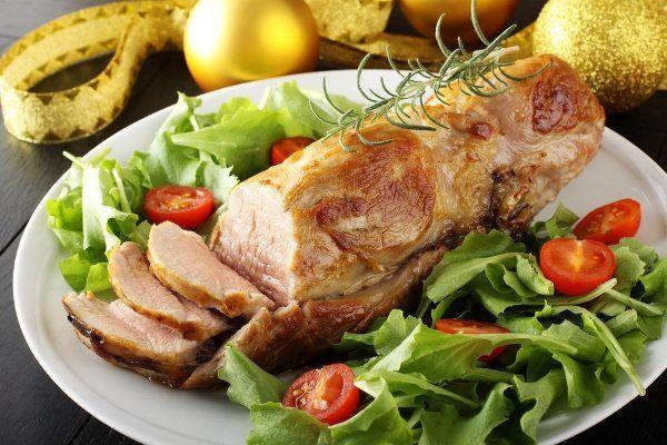 Запеченная свиная вырезка с горчицей и медом