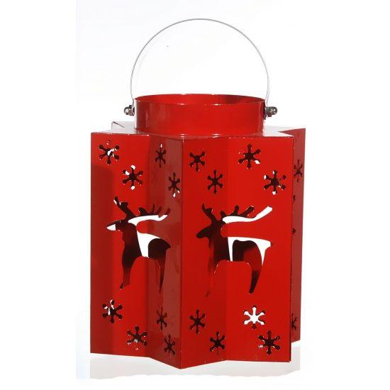 Kerst lantaarn met rendieren rood. Deze Kerst lantaarn in de kleur rood heeft uitgesneden sterren en rendieren waar het licht doorheen komt. Afmeting: 15 x 17 cm. Materiaal: Metaal.