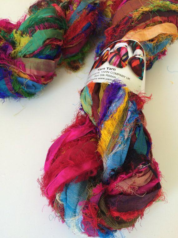 Ruban de soie de sari recyclé bordure Unique cil, incroyable texture, 5 yards, ruban de soie de sari iredescent Pure.