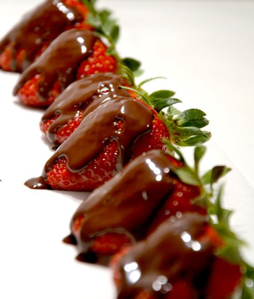 Fragole con cioccolato    CHOCOLATE STRAWBERRIES