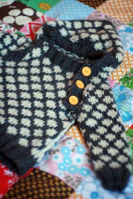 Clara Stickar: Hur jag stickade den prickiga Oslo anorakken